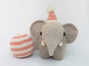 Unicorn Crochet Wrist Rest Cushion (Free Crochet Pattern) – One Zero
