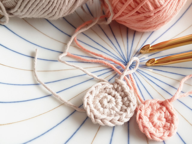 How to Crochet a Magic Ring (Left-Handed) – Crafty Kitsurou | 480x640